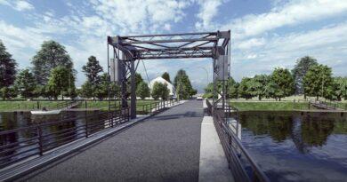 zabytkowy most w tujsku
