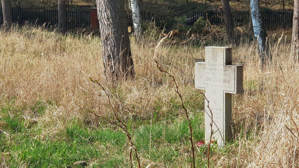 Cmentarz mennonitów w Piaskach