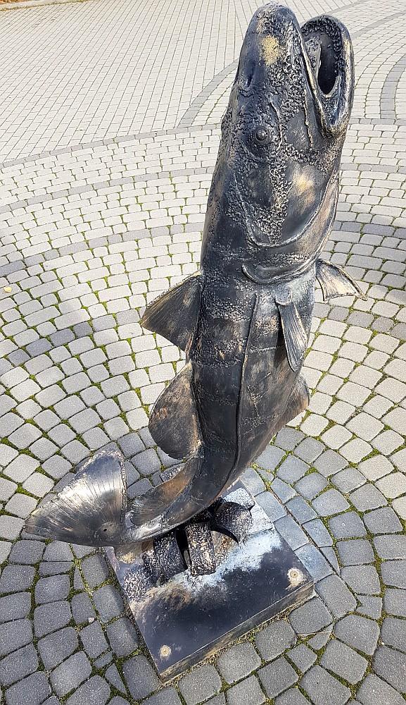 pomnik dorsza w kątach rybackich