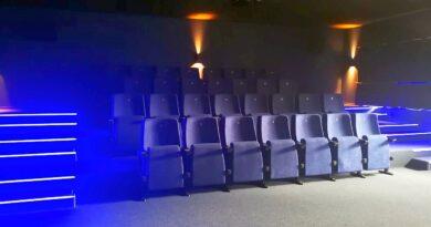 kino w stegnie za rogiem