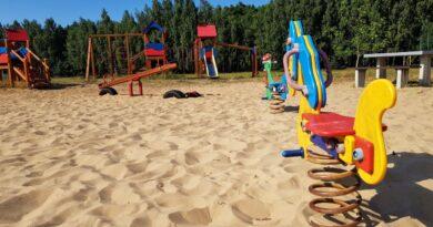 Plac zabaw w Junoszynie