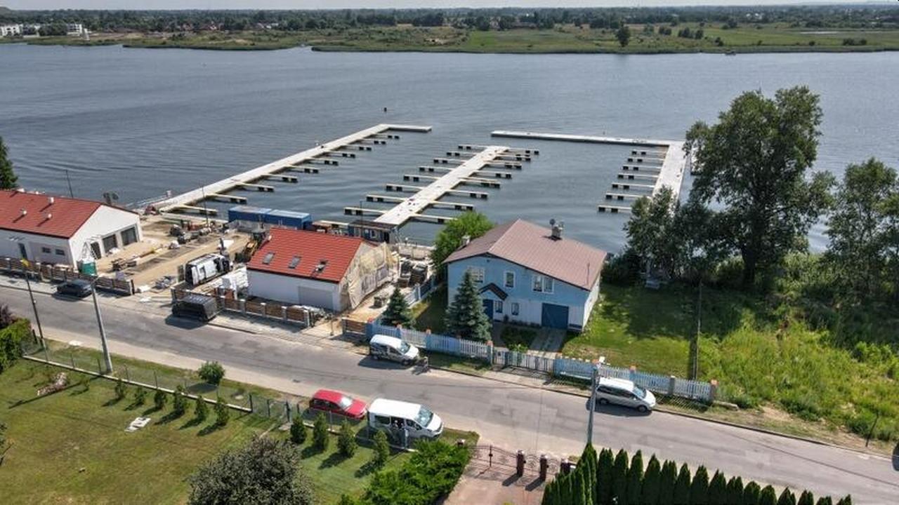 przystań jachtowa na wyspie sobieszewskiej
